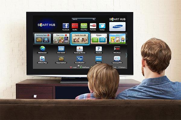 صفحه نمایش مهمترین بخش تلویزیون هوشمند است که باید تمیز نگه داشته شود.