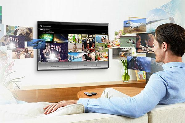 بررسی چند برند معتبر در راهنمای خرید تلویزیون هوشمند شما را در انتخاب بهتر یاری میکند.