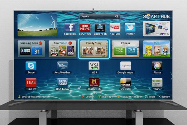 تلویزیون هوشمند قابلیت اتصال به اینترنت و استفاده از ویژگیهای تعاملی وب را دارد.