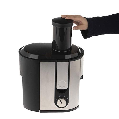 بدنهی استیل آبمیوه گیری هاردستون علاوه بر ظاهر زیبا بسیار مقاوم طراحی شده است، این دستگاه با 5.3 کیلوگرم وزن استانداردی برای یک آبمیوه گیری داشته و برای جابجایی آن کار سختی ندارید.