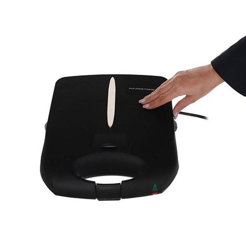 جنس ساندویچ ساز هاردستون از پلاستیک فشرده و مقاوم بوده تا در حین کار دستتان نسوزد.