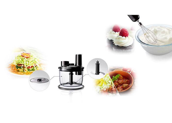 یکی دیگر از قابلیتهای این وسیله، اضافه شدن دیسک رنده داخل ظرف غذا ساز است، شما میتوانید جای دو تیغه از دیسک رنده استفاده کرده و مواد غذایی خود را مثل هویج یا خیار به راحتی و بدون له شدگی رنده نمایید