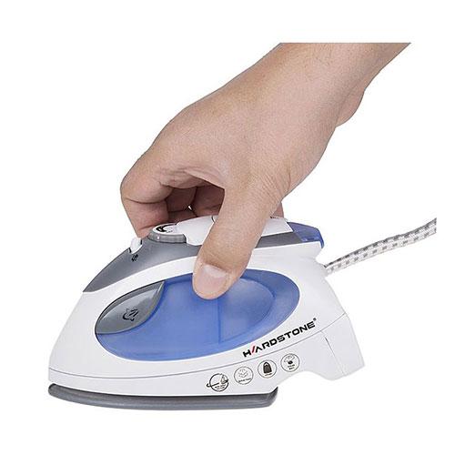 اتو هاردستون با وزن 480 گرم، بسیار کوچک و سبک است و میتواند به راحتی در یک کف دست جا گیرد