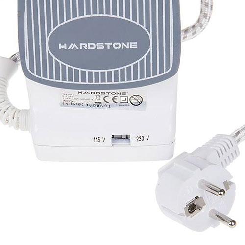 قبل از استفاده مطمئن باشید که ولتاژ دستگاه با ولتاژ محل اقامت شما یکسان باشد، برای تنظیم ولتاژ کافیست کلید دو حالتهی پایین صفحه سرامیکی اتو را حرکت دهید.