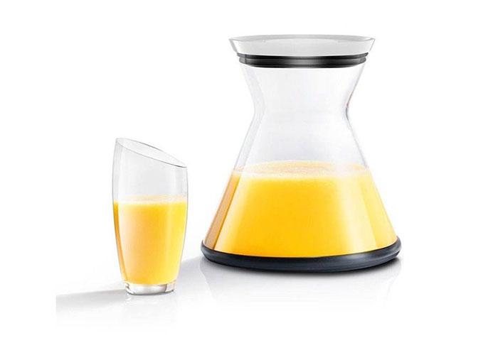 جام شیشه ای با ظرفیت 1 لیتر در محصول جلوه بسیار جذابی ایجاد کرده است