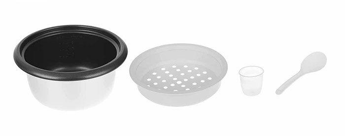 همراه این محصول یک پیمانه مدرج، سبد بخارپز و قاشق پلاستیکی نیز در جعبه ارائه میشود.