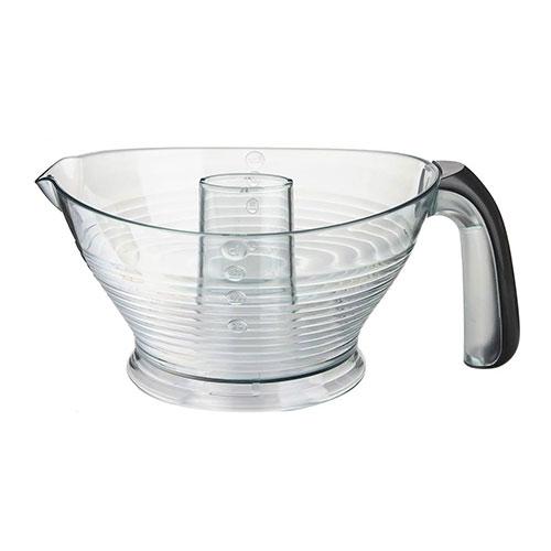 پارچ اصلی و مدرج آن می تواند 0.6 لیتر آبمیوه در خود جای داده که میزان مناسبی برای یک آب مرکبات گیری جمع و جور و ساده است و جنس آن از پلاستیک است.