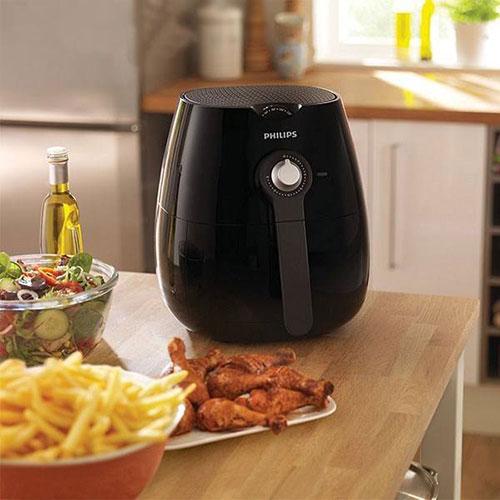 سرخ کن فیلیپس سری Viva Collection مدل HD9220 با طراحی زیبا و ترکیب رنگ مشکی جلوه ای خاص به آشپزخانه شما میدهد.
