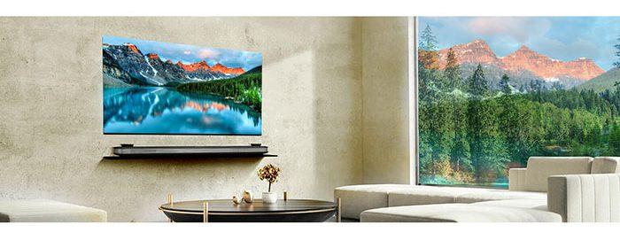 این تلویزیون دارای یک WiFi داخلی بوده که دسترسی به محیط اینترنت را با کنترل تلویزیون برای شما فراهم کرده است. شما میتوانید با این ویژگی به انواع سایتهای پخش فیلم مثل فیلیمو و نمایش دسترسی داشته باشید.
