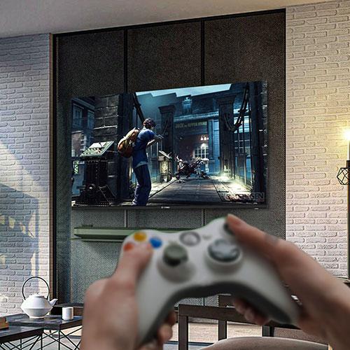 شرکت اسنوا علاوه بر قابلیت اتصال انواع کنسول های بازی، روی تلویزیونهای اسمارت خود رابط کاربری اندروید را اعمال کرده است. با این قابلیت انواع بازیها و اپلیکیشنهای اندروید روی تلویزیون نیز قابل نصب است.