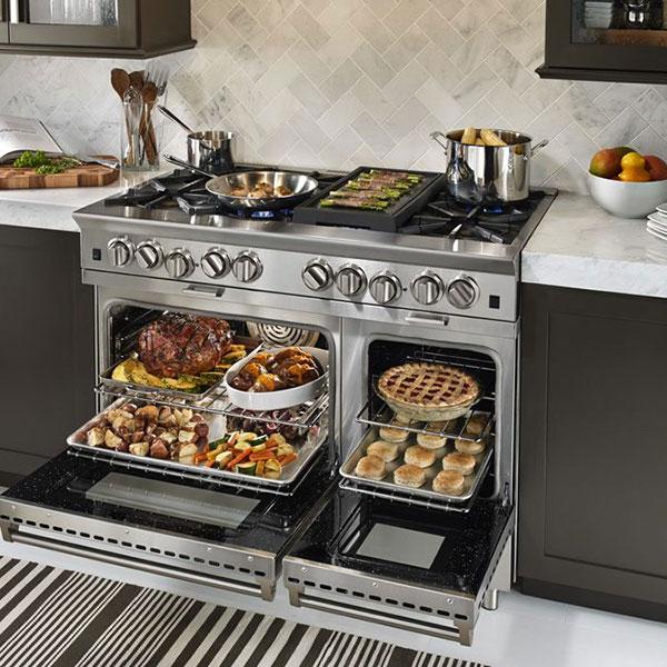 اجاق گازها وسايلی هستند که حتی ده سال ممکن است در آشپزخانه شما تعويض نشوند پس در انتخاب بهترين مدل آن دقت کنيد.