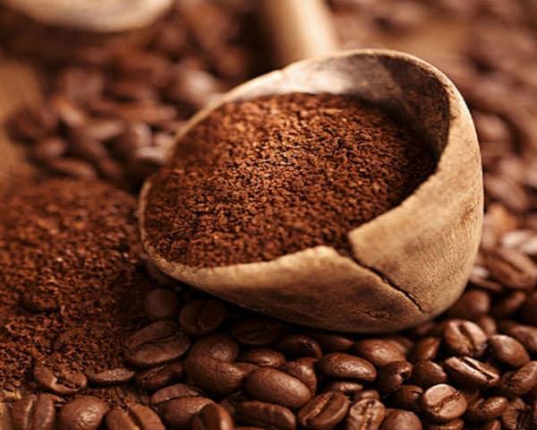 اگر دوست دارید قهوهای که مینوشید بهترین کیفیت را داشته باشد وجود یک آسیاب قهوه در خانهی شما ضروریست.