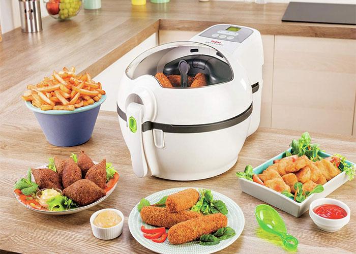 این دستگاه با توان مصرفی1200 وات به سرعت غذا را برای شما آماده میکند. با این میزان توان بخوبی جریان هوای داغ را تا حدود 40 درصد افزایش میدهد.