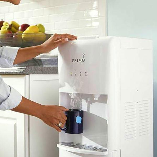 برای انتخاب آبسردکن مناسب به توان مصرفی آن دقت کنید هرچه این توان بالاتر باشد آب زودتر گرم و یا سرد میشود و نیازی نیست زمان زیادی را منتظر بمانید.